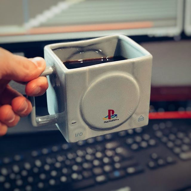 Awesome PS1 coffee mug 🤙 Getting some work done.