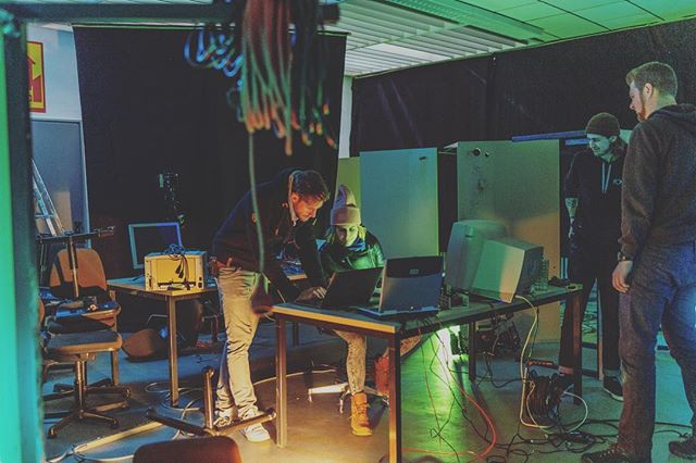 On set 'Computer Room' rehearsing with the great Franziska Lather (@franziska_lather) - EXKURSION - short film directed by Moritz Brandes - written by Tanja Ackemann @tanjaackemann & Moritz Brandes @moritzbrandesfilm  📸 @pmaechtlen