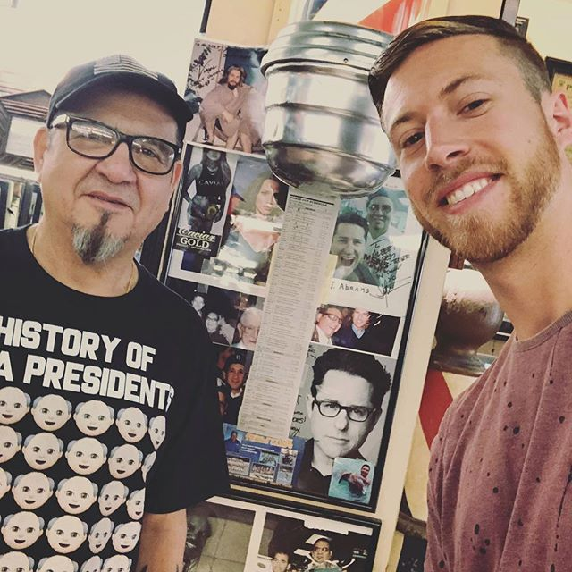 I randomly googled a good barber shop nearby. Got my hair cut by this talented man. Turns out he's been cutting J.J. Abrams' hair since 26 years.  @oakleys1929 @jjabramsofficial