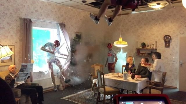 Behind The Scenes of the Alpecin Cycling TV commercial - No fake! The stunts were done 100% in-camera by Stuntteam Germany, Matthias Schendel. Crash glas windows custom built by Sven Kühn @feuerfestsfx - We only replaced the greenscreen with a street background and added some camera shake in post-production. @franziska_lather @michaelbay